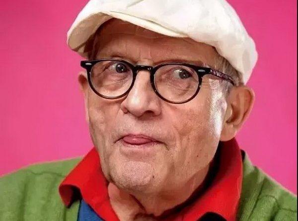 不老顽童——英国最著名的当代画家大卫•霍克尼