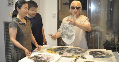 世界华文媒体代表访问华文媒体基金会艺术顾问刘任求